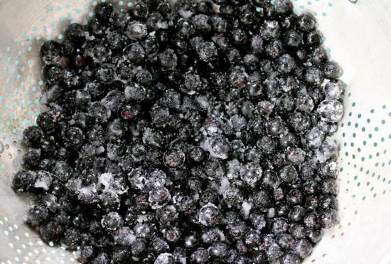 рябина черноплодная с сахаром и в сахаре