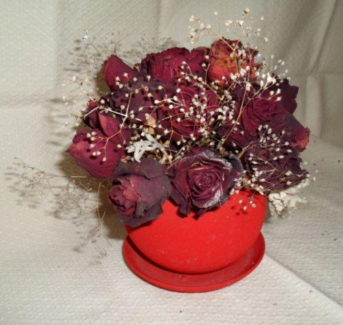 Поделки из сухих бутонов роз