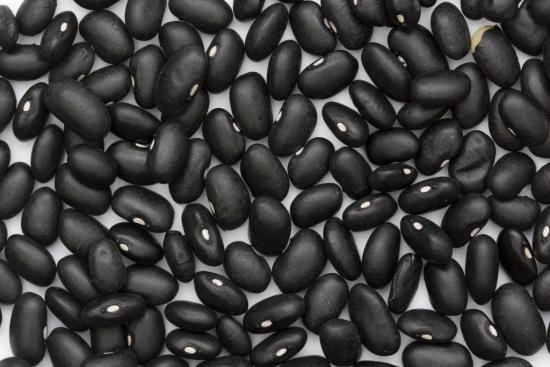 Плоды черной фасоли