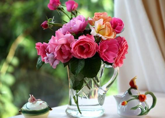 Как ухаживать на розами в вазе