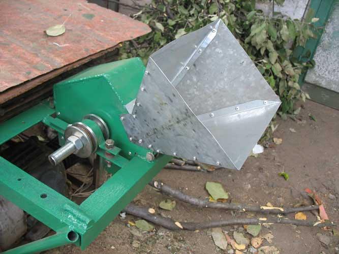 Измельчитель дробилка ветки дробилка для щебня цена в Железногорск