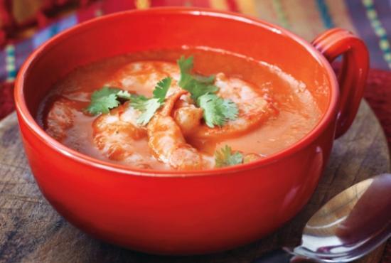суп с томатным пюре и креветками