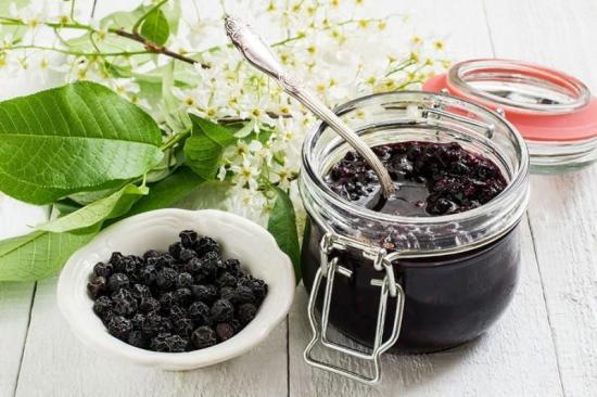 заготовка черемухи виргинской, лечебные свойства