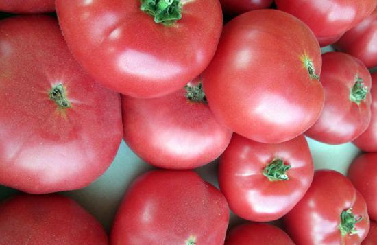 Розовый томат, плоды